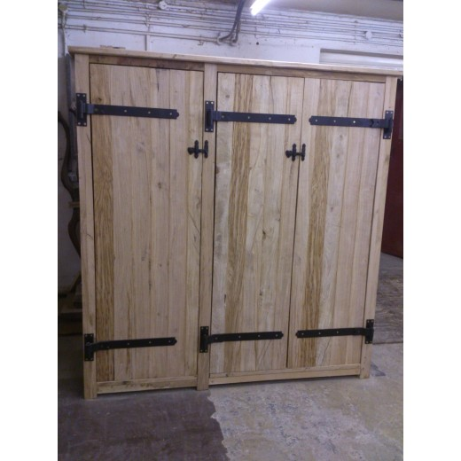 Oak Three Door Wardrobe